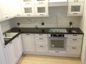 blaty kuchenne wrocław z granitu absolute black
