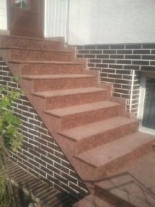 schody z granitu Carmen Red