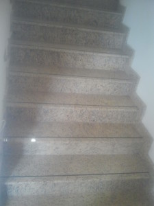 schody z granitu Topazio